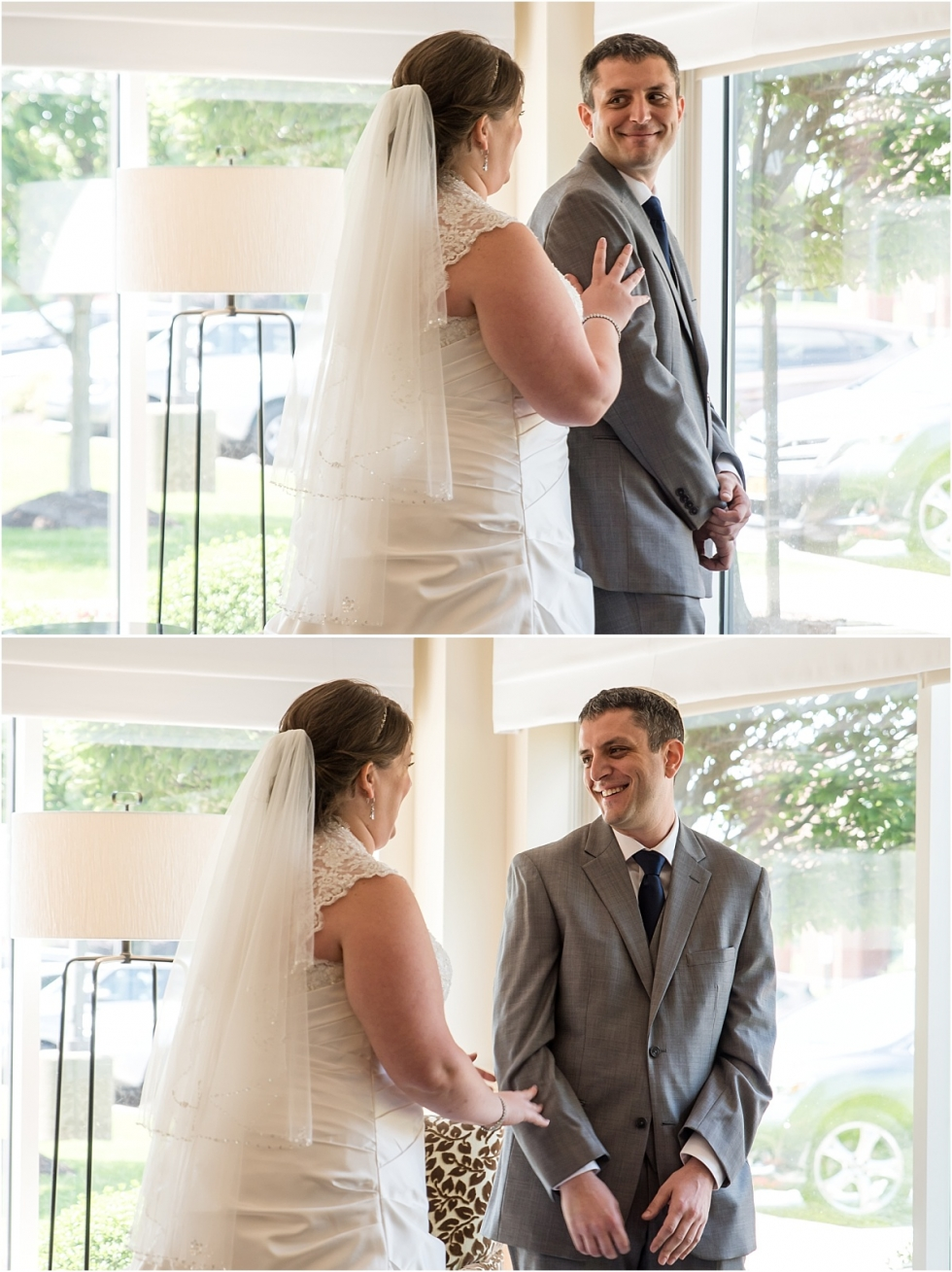 Pittsburgh wedding photographer timeline tips first look.